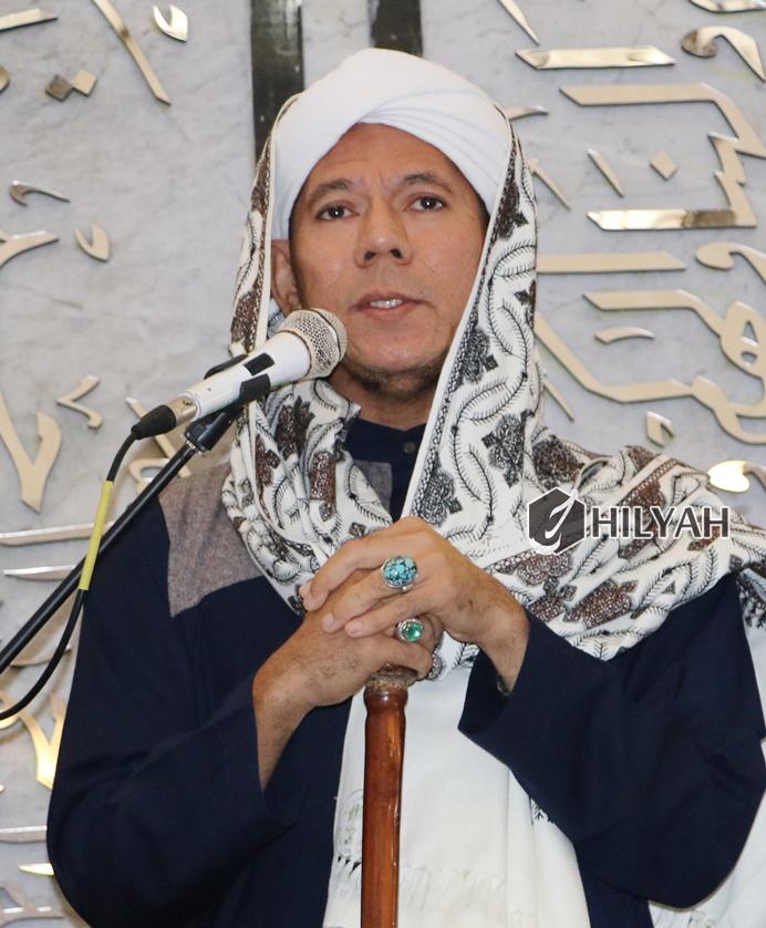 Habib Segaf bin hasan Baharun,pengasuh pon pes DALWA Putri