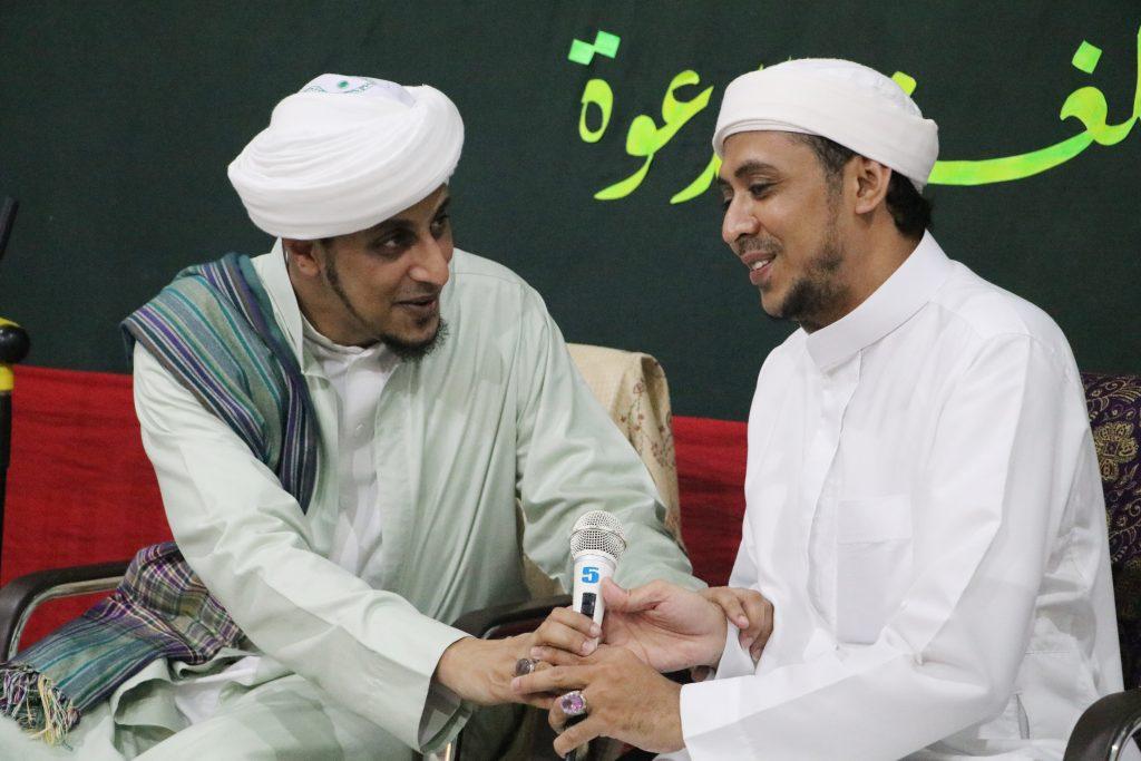 Habib Ali bin Hasan Baharun pengasuh pon pes dalwa ba'alawi,