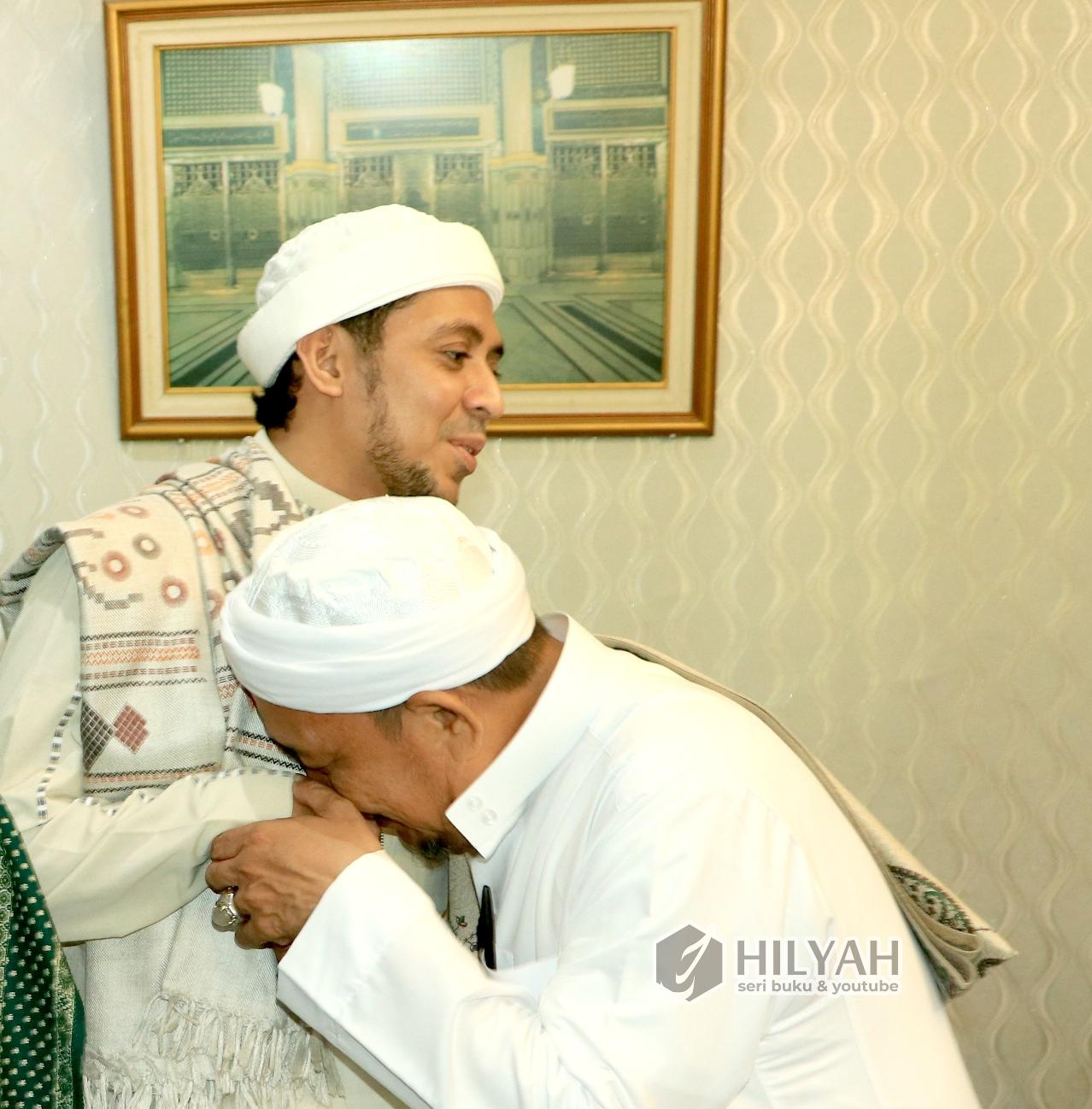 Khutbah Idul Adha Habib Ali bin Hasan Baharun Pengasuh Pon Pes Dalwa Baalawi download teks khutbah